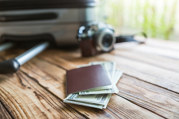 How to save money while on trip