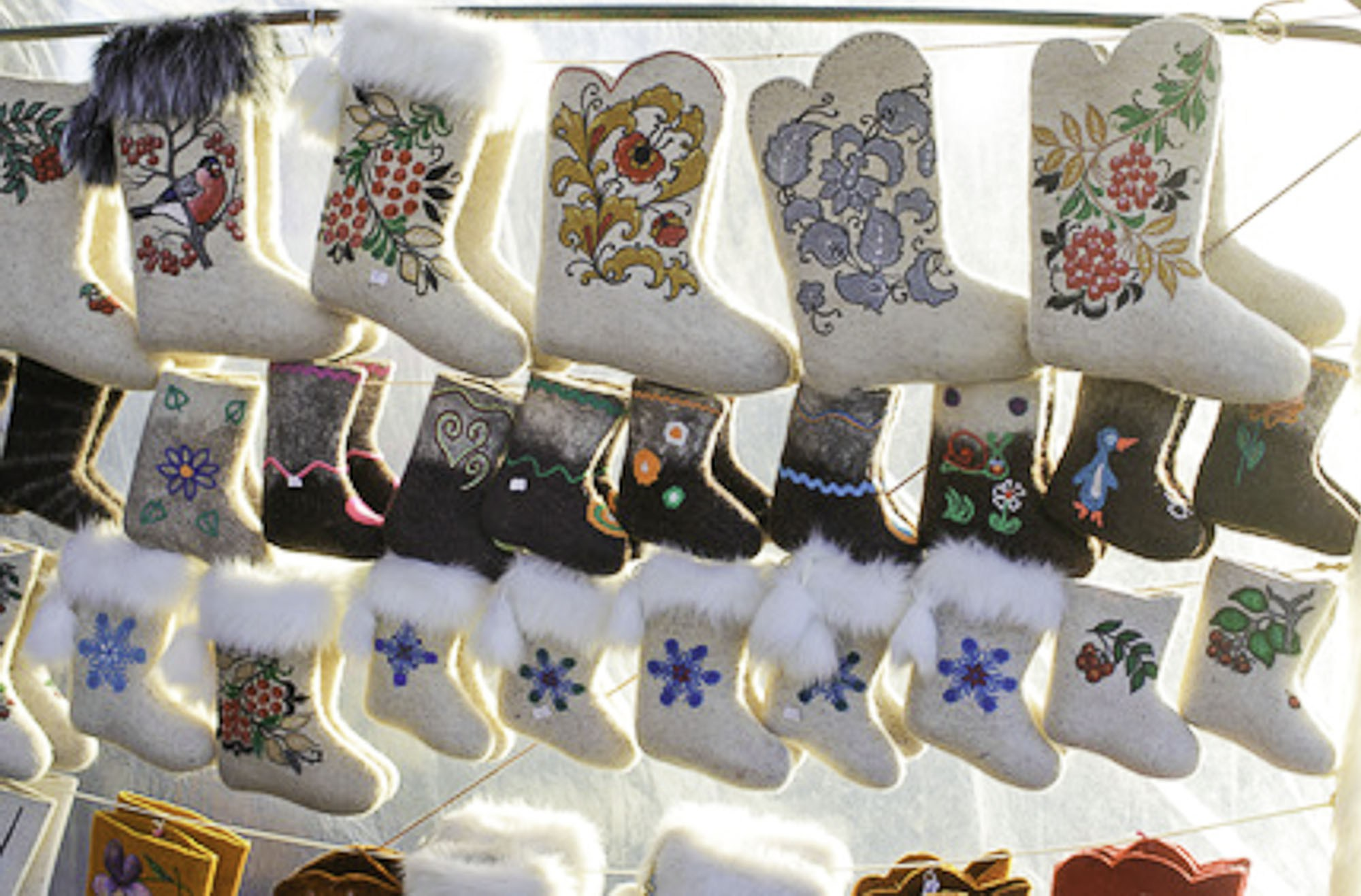 Best souvenirs to bring from your trip to Russia - Valenki
