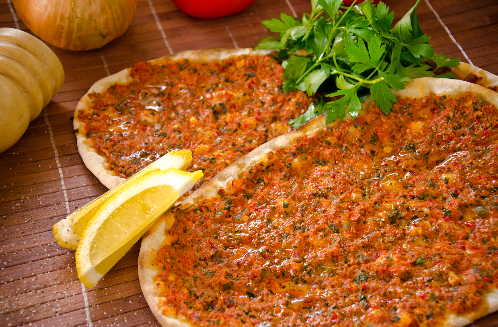 Lahmacun - Mouthwatering Turkish dishes