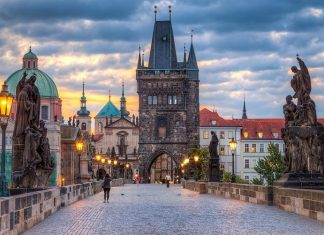 historic bridges - Charles Bridge