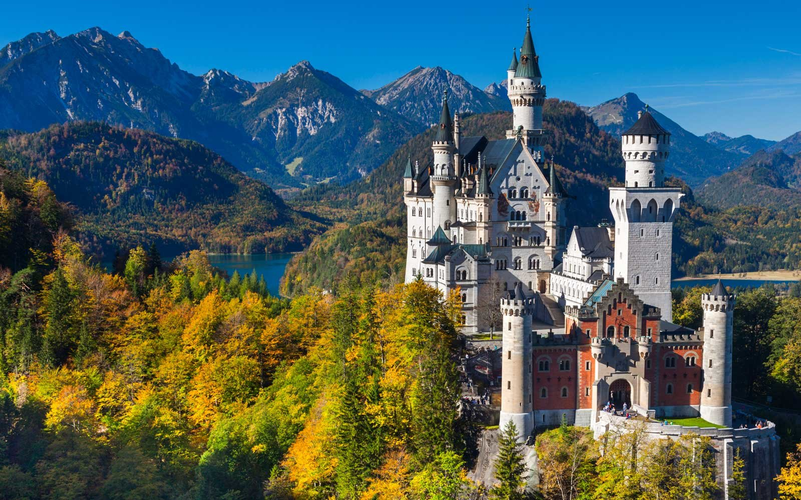 Neuschwanstein, The castle of the fairy-tale king in Germany